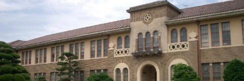 神戸 女学院 大学 偏差 値